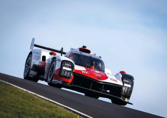 raceng2103_article_008_01_01