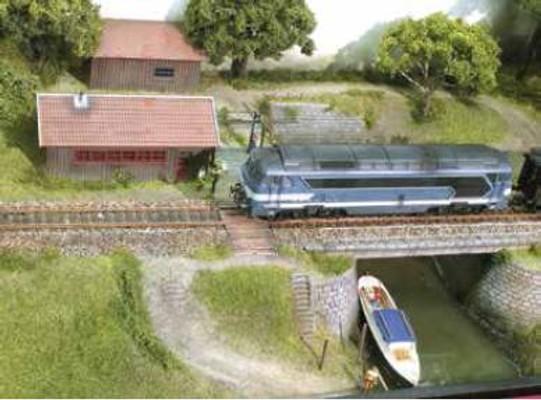 trainmini160101_001_005_006_81ModulinosCast_1