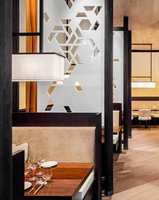 luxtravfr1505_002_008_013_AsianRestaurant_0