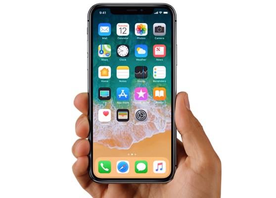 mw-iphone-hand