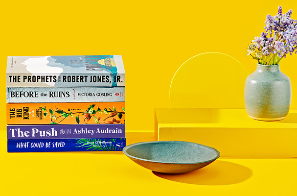 p014-RSP0121-yellow-background-book-stack