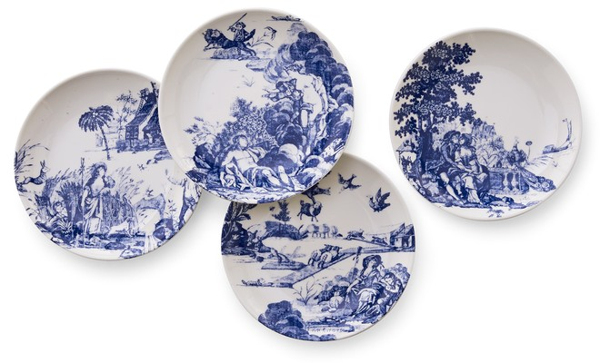bhg1119-p12-williamsburg-toile-tales-canape-plates