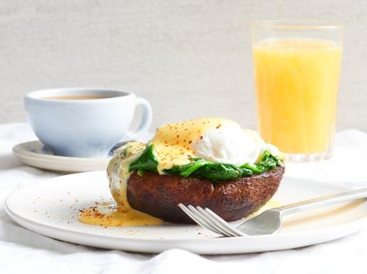 gfr0520-pg11-portobello-spinach-eggs-benedict