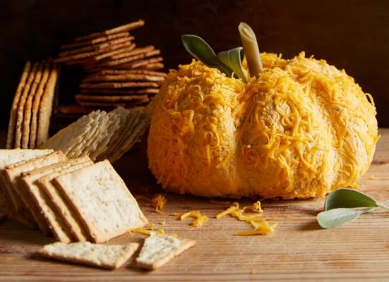 p031-BHG-Pumpkin-Recipes-cheeseball