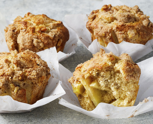 p033-BAA0021-apple-walnut-streusel-muffins