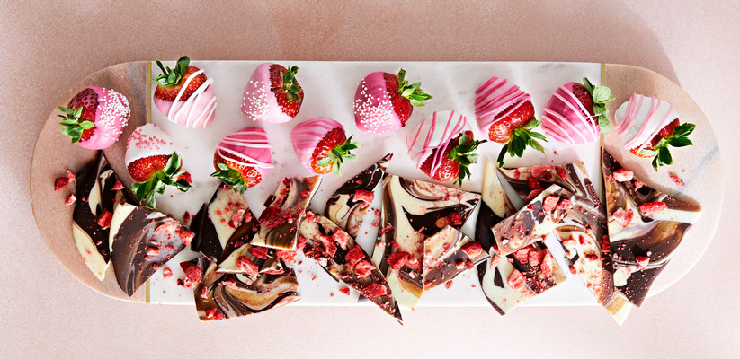 p015-AllRecipes-FebMarch-2021-barkstrawberries